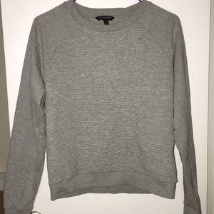 Comfy lightweight sweatshirt!